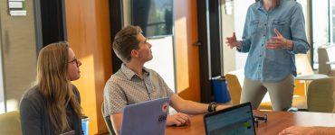 społeczne uczenie się jak przekonać pracowników