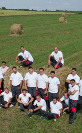 nik service team on the field